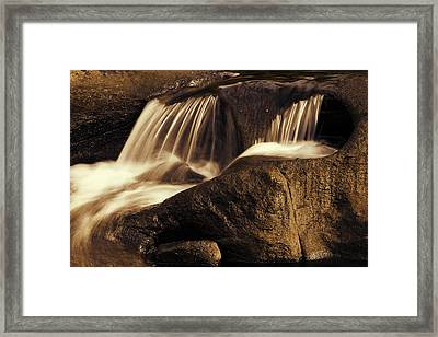 Water Flow Framed Print by Les Cunliffe