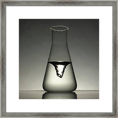 Briggs-rauscher Oscillating Reaction Framed Print by Science Photo Library