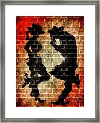 Couple Framed Print by Beto Machado