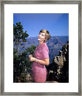 Florence Henderson In The Brady Bunch  Framed Print