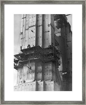 Ggb Tower Under Construction Framed Print by Underwood Archives