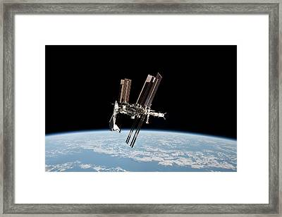 Iss And Space Shuttle Framed Print by Nasa/science Photo Library