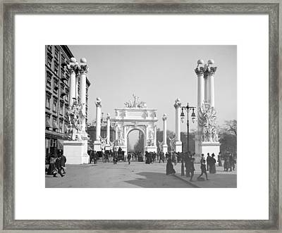 Nyc, Madison Square, Dewey Arch, 1900 Framed Print by Science Source