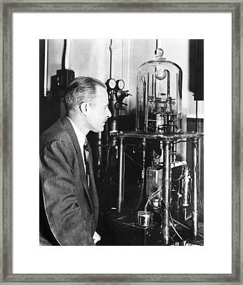Walter Brattain, Us Physicist Framed Print by Science Photo Library