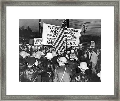 War Veterans Picket Mgm Studio Framed Print by Underwood Archives
