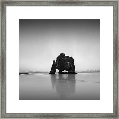 Framed Print featuring the photograph Hvitserkur by Frodi Brinks