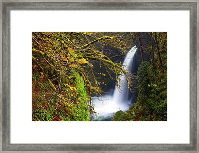 Usa, Oregon, Columbia Gorge Framed Print