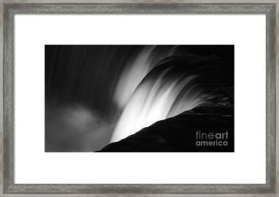 Niagara Falls New York In Black And White Framed Print