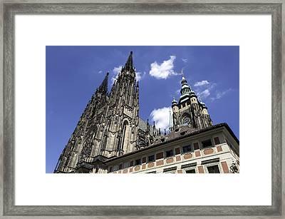 Saint Vitus Cathedral. Framed Print by Fernando Barozza