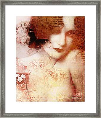 Winsom Women Framed Print by Chris Andruskiewicz