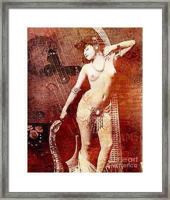 Winsom Women Framed Print by Chris Andruskiewicz