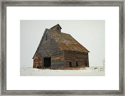 A Barn Near Wild Rose North Dakota Framed Print by Jeff Swan