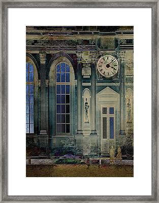 A Night At The Palace Framed Print by Sarah Vernon