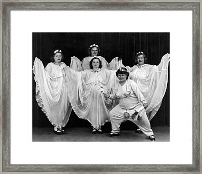 A Ny Theatrical Group Framed Print by Underwood Archives