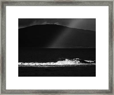 A Quiet Wave Framed Print