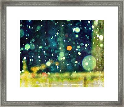 A Snowy Night Framed Print by Suzanne Barber