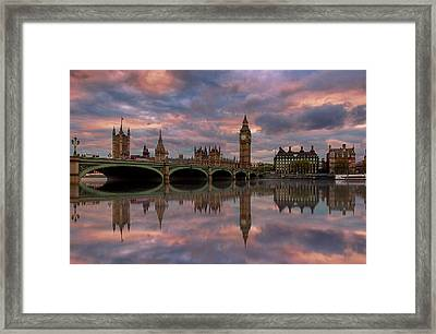 A Sunset To Remember .. Framed Print
