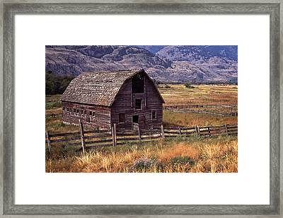 Framed Print featuring the photograph Abandoned Barn by Richard Farrington