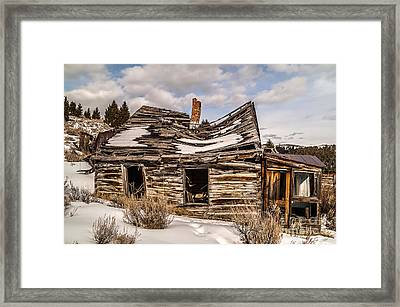 Abandoned Home Or Business Framed Print by Sue Smith