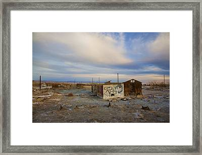 Abandoned Home Salton Sea Framed Print by Hugh Smith