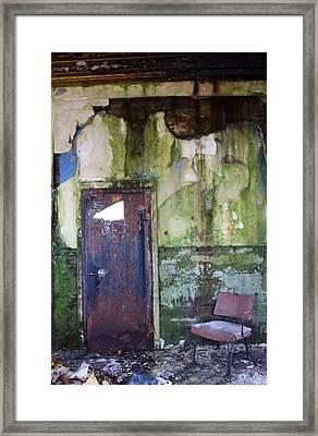 Aberdeen Chair Framed Print by Suzanne Lorenz