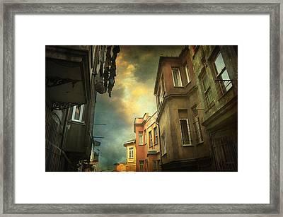 Absence 16.40 Framed Print