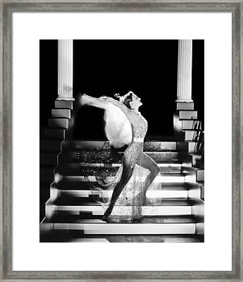 Actress Joan Crawford Framed Print by Underwood Archives