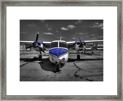 Aero Commander 560 L26b U4a  V1 Framed Print by John Straton