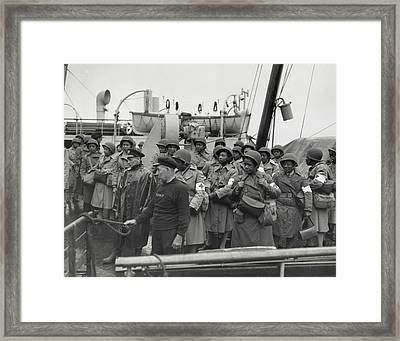 African America U.s. Army Nurses Arrive Framed Print by Everett