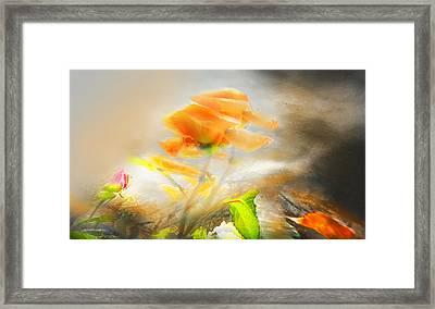 Framed Print featuring the photograph Agarradas A La Vida by Alfonso Garcia