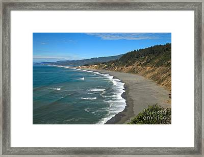 Agate Beach At Patricks Point Framed Print