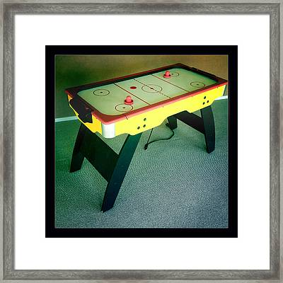 Air Hockey Table Framed Print by Les Cunliffe