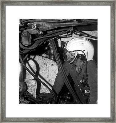 Airstream Helmet Coal Mine Tests Framed Print by Crown Copyright/health & Safety Laboratory Science Photo Library