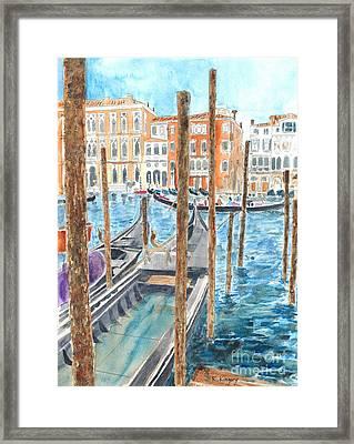 Al Traghetto A Venezia Framed Print by Ralph Kingery