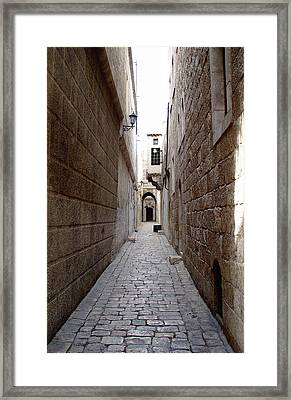 Aleppo Alleyway02 Framed Print