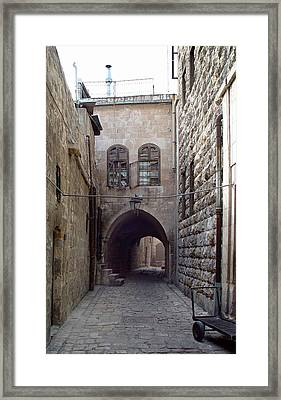 Aleppo Alleyway03 Framed Print