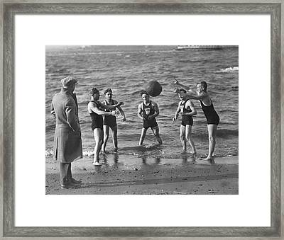 All Weather Ny Swimmers Framed Print by Underwood Archives