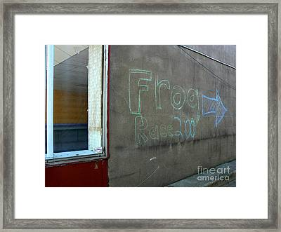 Framed Print featuring the photograph American Frog Race by Lin Haring