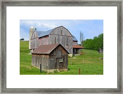 Amish Barn #2 - Woodward Pa Framed Print