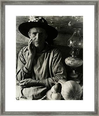 An Elderly Man Framed Print by Louise Dahl-Wolfe