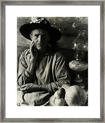 An Elderly Man Framed Print by Louise Dahl-Wolfe