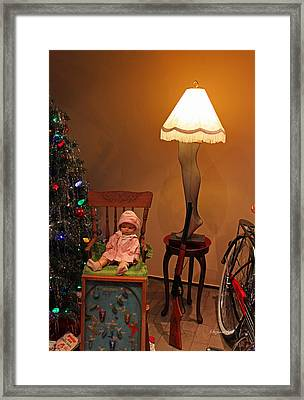 An Old Fashioned Christmas - A Christmas Story Framed Print by Suzanne Gaff