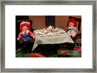 An Old Fashioned Christmas - Anne And Andy Framed Print by Suzanne Gaff