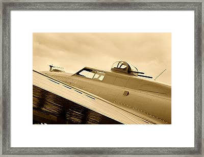 Antiquer Bomber Aircraft B17 Framed Print