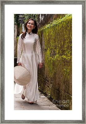 Ao Dai 03 Framed Print by Rick Piper Photography