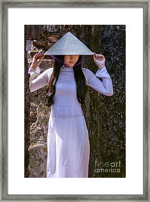 Ao Dai Viet Nam Framed Print