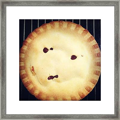 Apple Pie Framed Print by Les Cunliffe