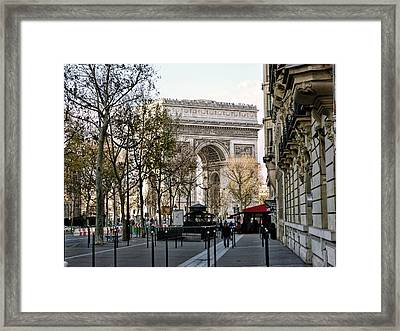 Arc De Triomphe Paris Framed Print by Lynn Bolt