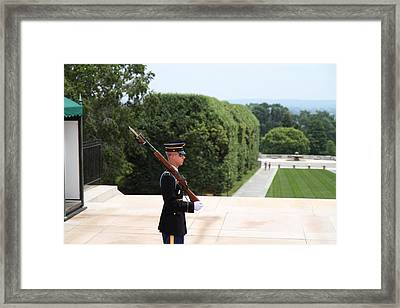 Arlington National Cemetery - Tomb Of The Unknown Soldier - 01135 Framed Print by DC Photographer