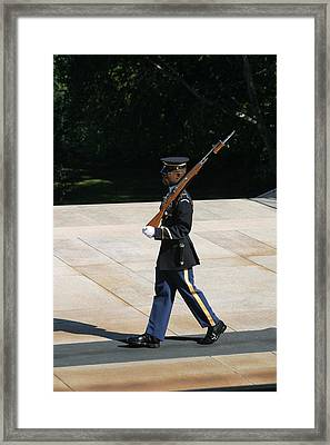 Arlington National Cemetery - Tomb Of The Unknown Soldier - 12124 Framed Print by DC Photographer